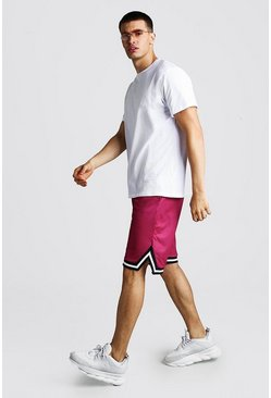 Loose Fit Hi-Lo-T-Shirt und Airtex Basketball-Shorts, Weiß